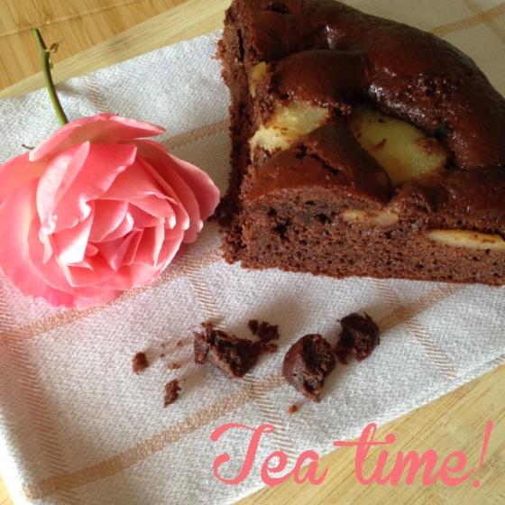 Le ricette del Daffodil Cottage: torta al farro, cioccolato e pere per l'ora del tè